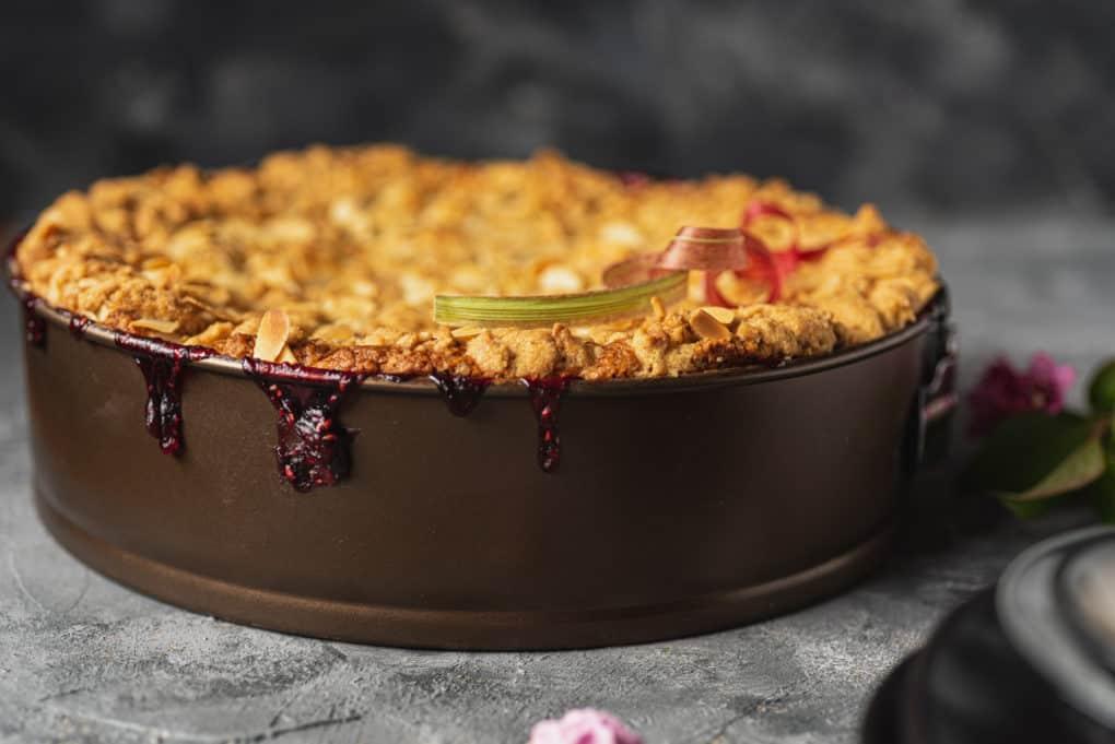 Ciasto z kruszonką, serem i rabarbarem